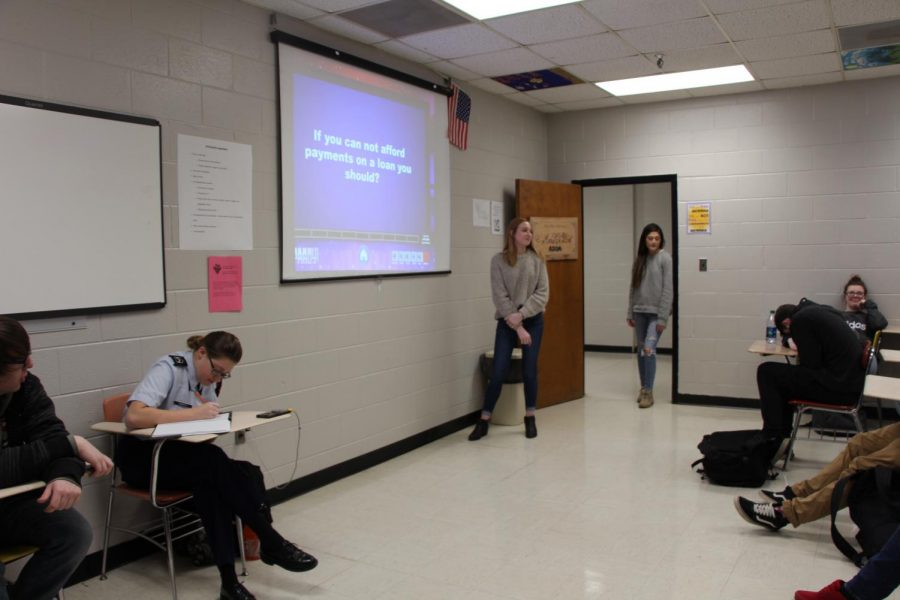 Senior Students Play To Learn About Student Loans