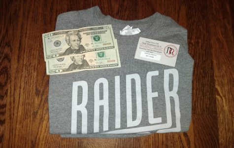 Students received a t-shirt, a Renaissance card, and the possibility of winning money.