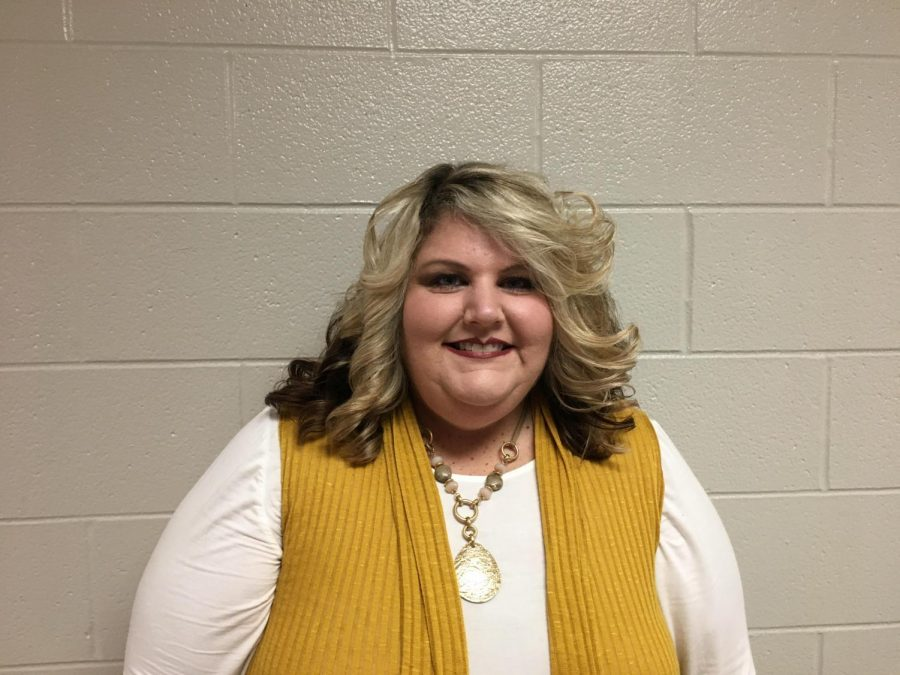 November Teacher Feature: Mrs. Sandy Lewis