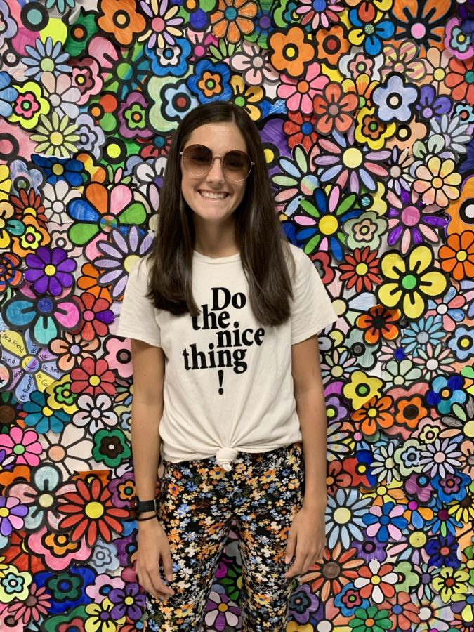 Sophomore Kailee Rossman promotes kindness with her encouraging t-shirt and smile!